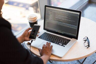 adult app developer coding 1181244 - IMERIR